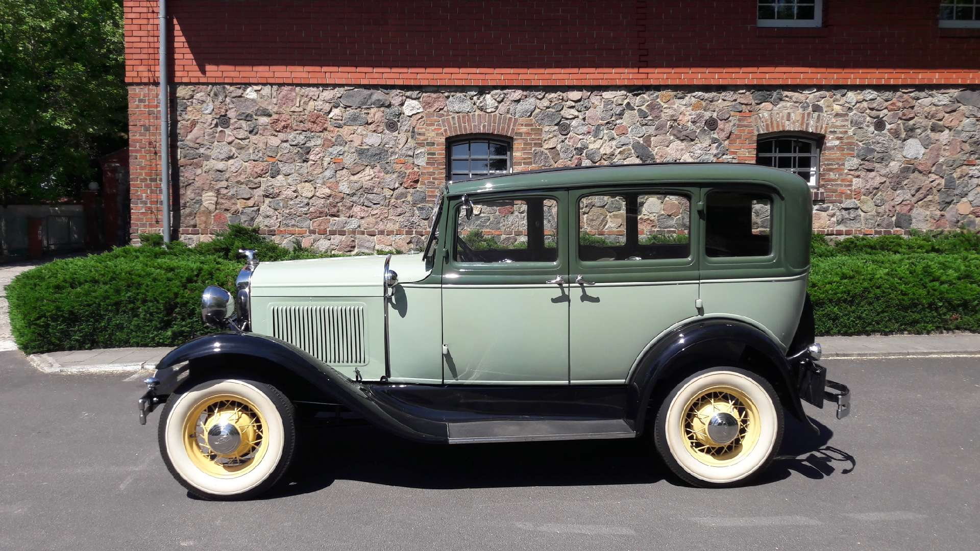 Ford A 4 door 1930